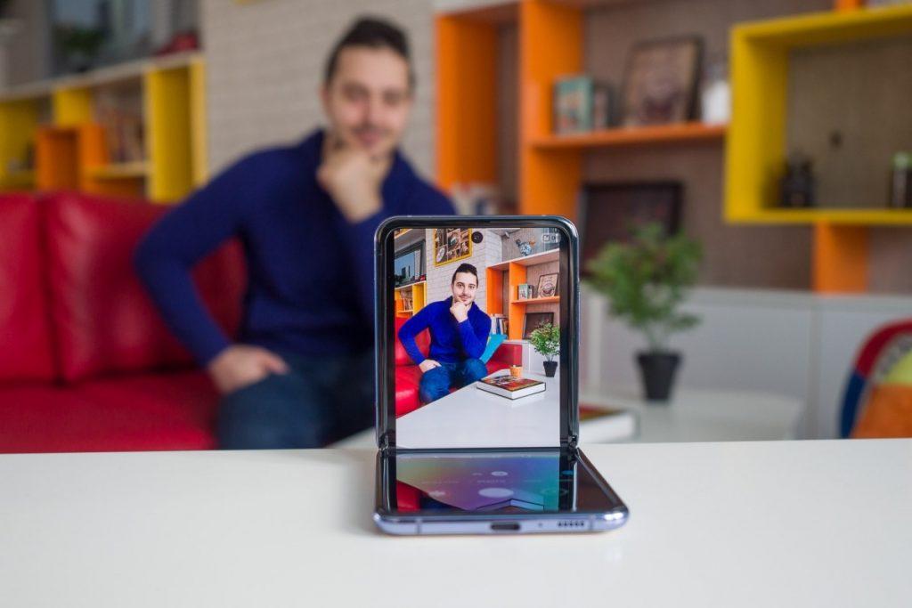 عکس با دوربین عقب Galaxy Z Filp